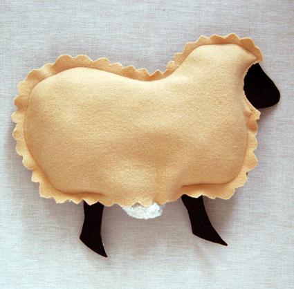 Подушка в виде овечки своими руками - Ручная работа и креатив - интернет-журнал Поделки своими руками