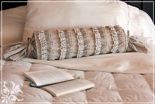 Подушка валик своими руками. Изготовление мебели 61