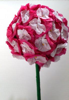 Цветок большой из гофрированной бумаги своими руками