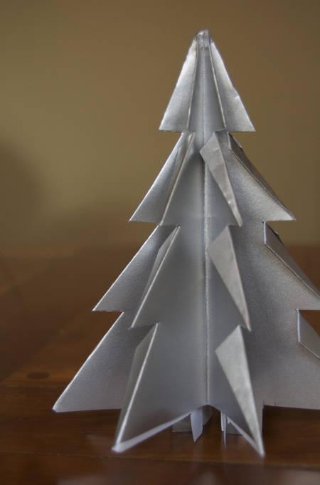 Новогодние украшения из бумаги при